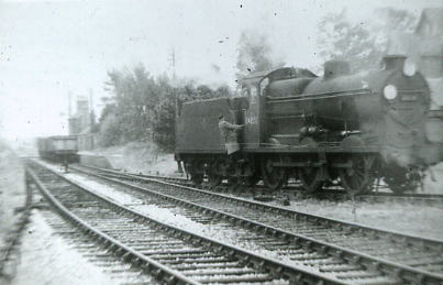 U class 30543 shunting wagons at Fort Brockhurst 1955
