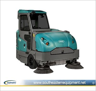 Tennant S30 Rider Floor Sweeper