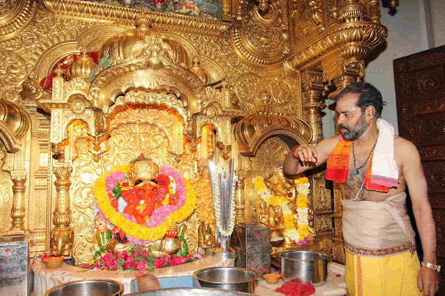 Siddhivinayak Temple, Mumbai - Richest temple in India