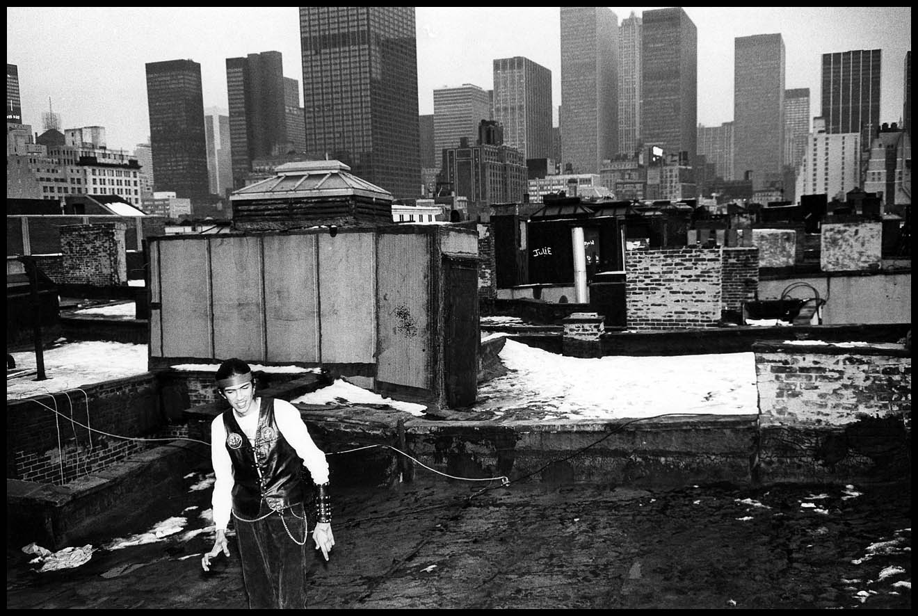 pictures of the guardian angels in new york city in 1981
