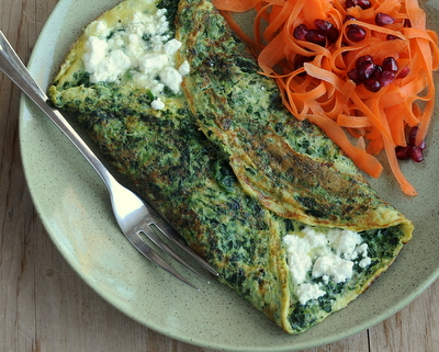 How to Make a Spinach Omelet, Best Recipes for Everyday 2015 ♥ AVeggieVenture.com.