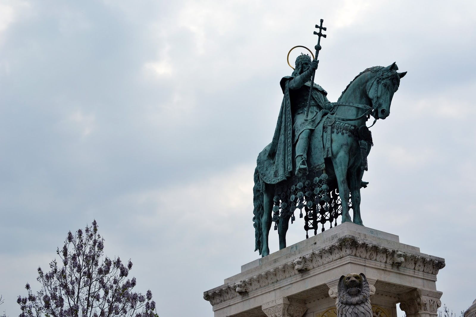 Budapest, photography, night time, architecture, travel, blog, adventure, exploration, st Stephen, Szent Istvan