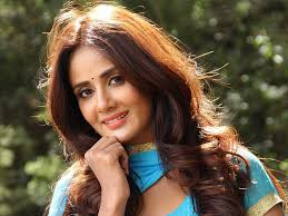 Parul Yadav Family Husband Son Daughter Father Mother Age Height Biography Profile Wedding Photos
