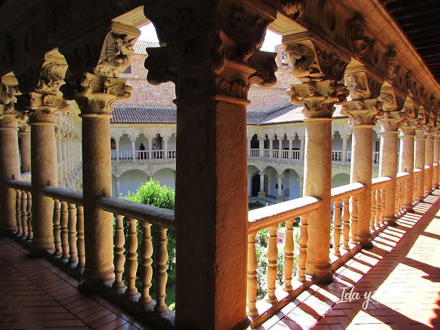Claustro de las Dueñas, Salamanca