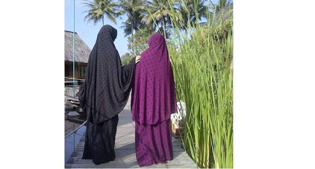 Jika Yang Pakai Jilbab Besar Ditanya Aliran Apa, Terus Yang Tidak Berjilbab Islam Apa?