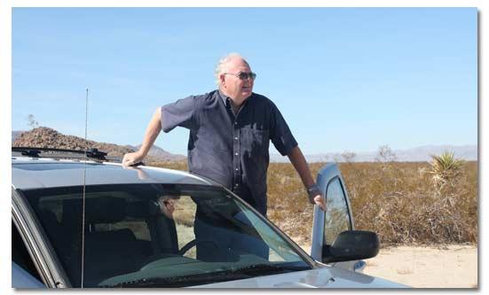 Ở lại trên chiếc xe của bạn khi ở sa mạc