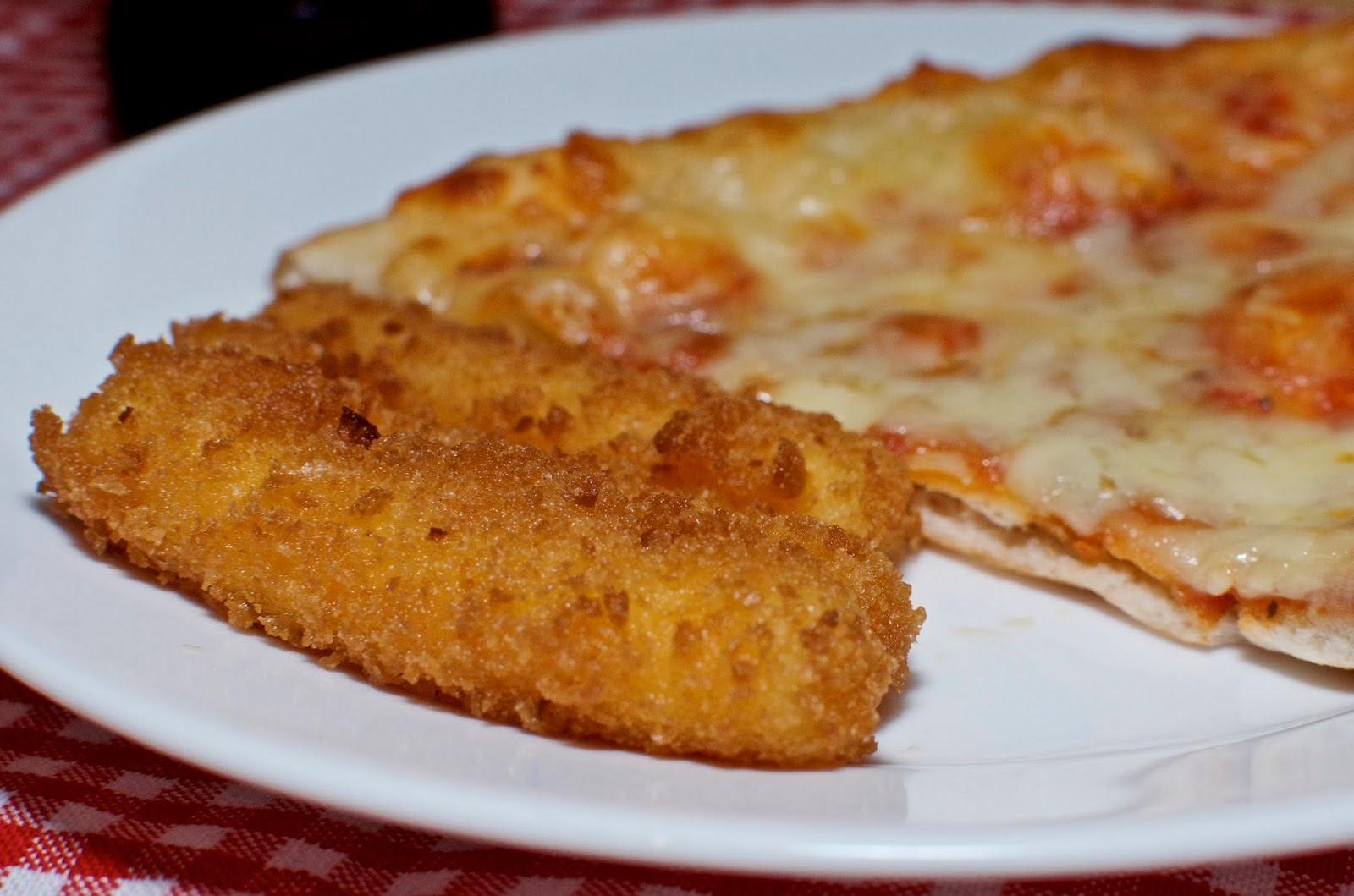 Pizza and cheese sticks