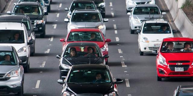 Hasta el doble, costo del seguro de auto por inseguridad, edad y género