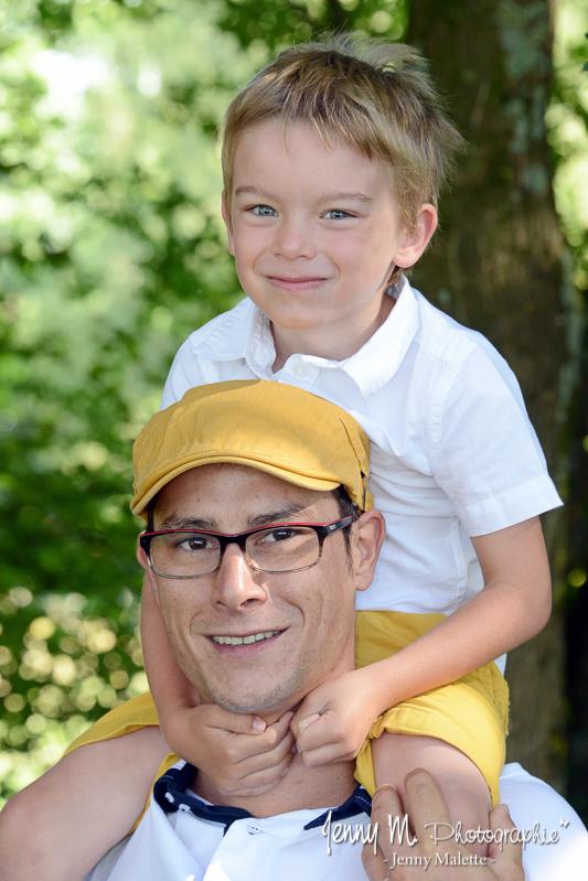 portrait photo famille papa enfant garçon sur les épaules