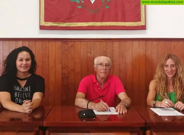 Tazacorte firma un convenio con la protectora de animales y plantas Benawara para la protección de los animales en el municipio