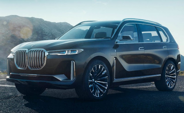 New BMW X7 iPerformance Concept comes out of the shadows prematurely