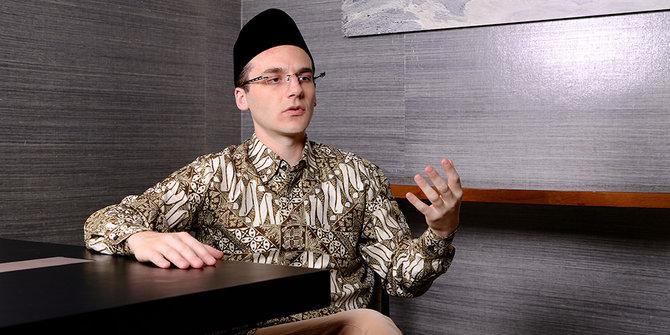 Kepeduliannya pada Anak Tuntun Chaim Fetter, Progammer Belanda Ini Pada Hidayah Islam