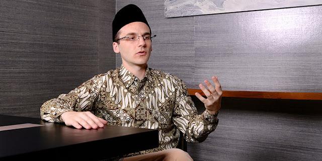 Chaim fetter pendiri peduli anak foundation dan jualo.com