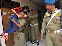Satpol PP Ditertawai Timnya Karena Mendapati Anaknya Sendiri Saat Razia di Hotel