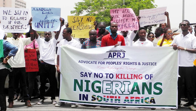 PIC. 16. MEMBERS OF ADVOCATE FOR PEOPLES' RIGHTS AND JUSTICE ON PEACEFUL PROTEST OVER THE ONGOING XENOPHOBIC ATTACKS TO NIGERIANS IN SOUTH AFRICA IN ABUJA ON MONDAY (20/4/15). 2083/20/4/2015/HF/CH/NAN
