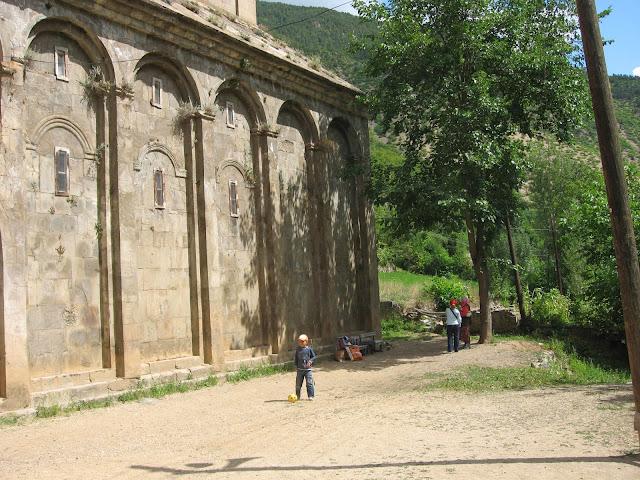 Barhal kilisesi