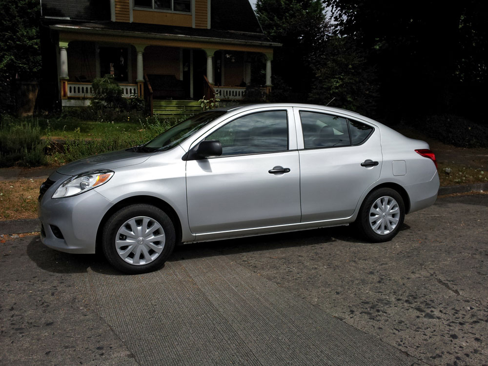 in the driveway 2012 nissan versa 1 6s subcompact culture the small car blog. Black Bedroom Furniture Sets. Home Design Ideas