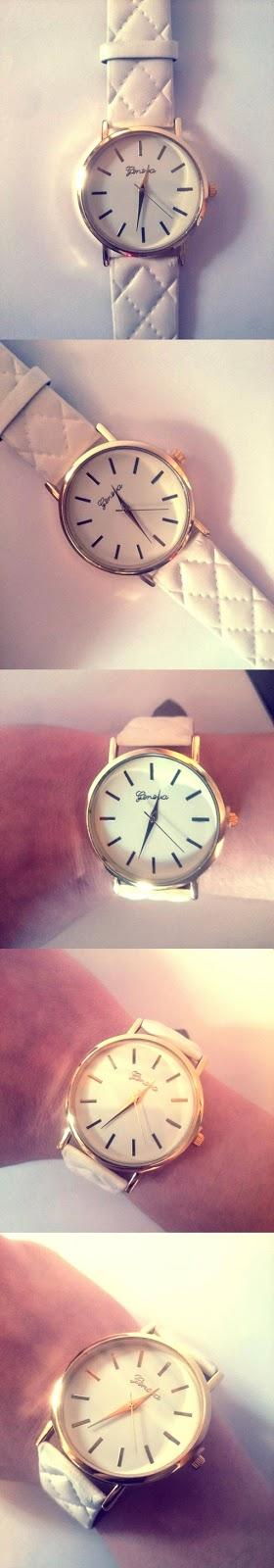 biały zegarek, zegarek sammydress, zegarek ze złotymi elementami