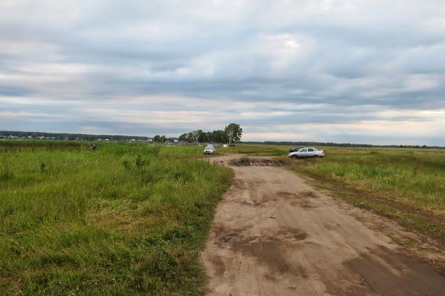 Дорога вдоль озера Яу-Балык