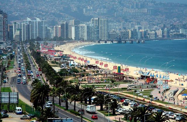Estrada da viagem de carro de Valparaíso a Viña del Mar