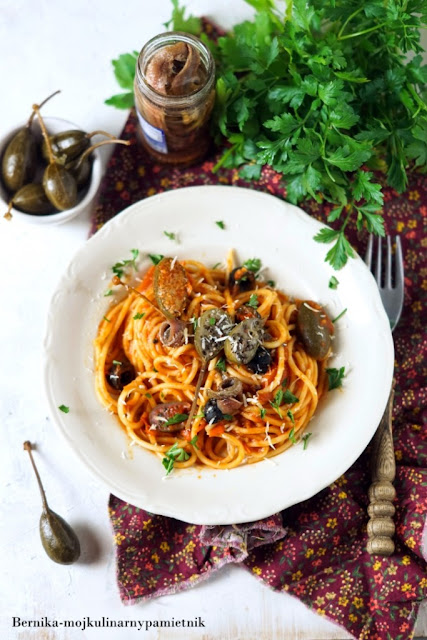 spaghetti, puttanesca,makaron, bernika, kapary, pomidory, kulinarny pamietnik