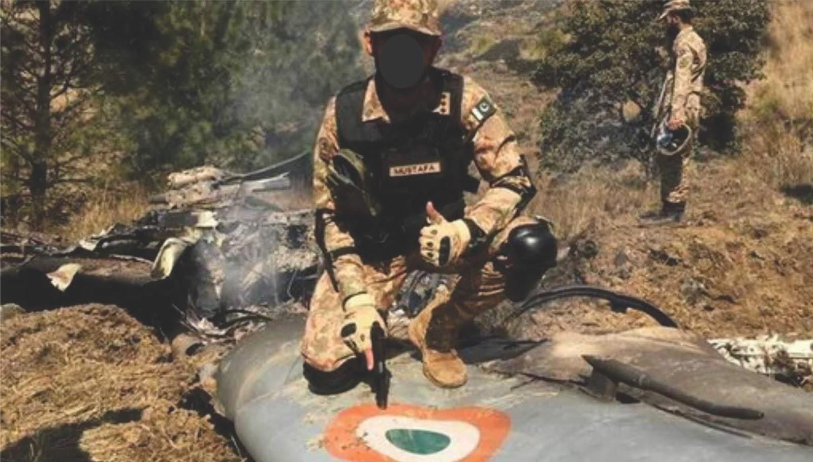 Dua pilot pesawat India yang ditahan menembak jatuh di tahan di Pakistan