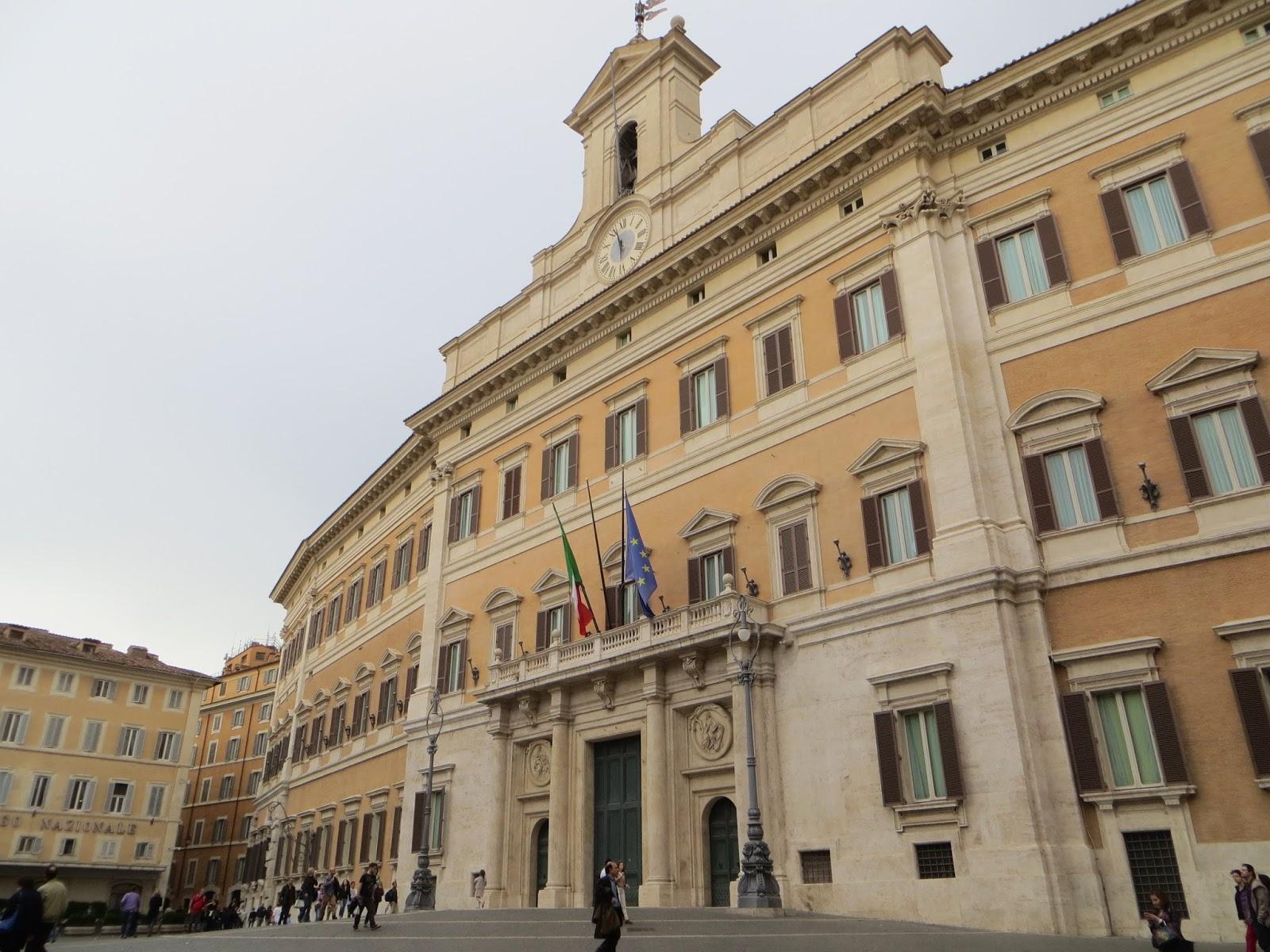 Franco brugnola posta la fiducia oggi sul d l for Camera deputati roma