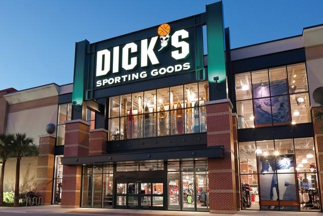 5adafd953 Loja de esportes DICK S Sporting Goods em Orlando  fachada