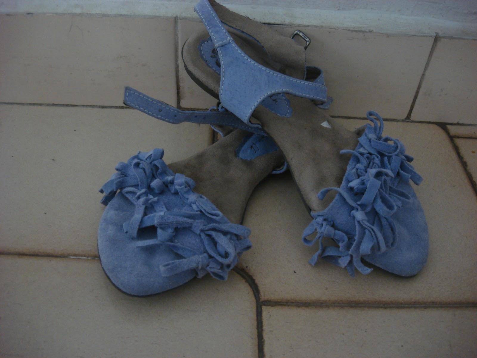 82f30085a5 E meu sapato rosa!! a Raiza fala que parece sapatinho de criança! Mas é  confortável e fofo!! Adoro!!