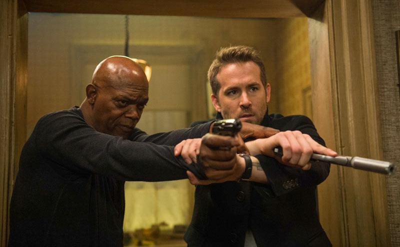 """Ryan Reynolds e Samuel L. Jackson no trailer e pôsteres inéditos de """"Dupla Explosiva"""""""