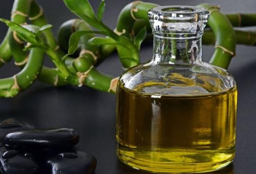 Gunakan Oil Cleansing Method untuk Membersihkan dan Menyehatkan Kulit Wajah