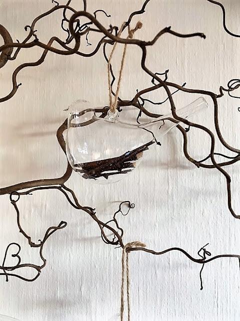 Idé til pynting av Vrihassel  - fugler i glass IMG_3961 (2)-min