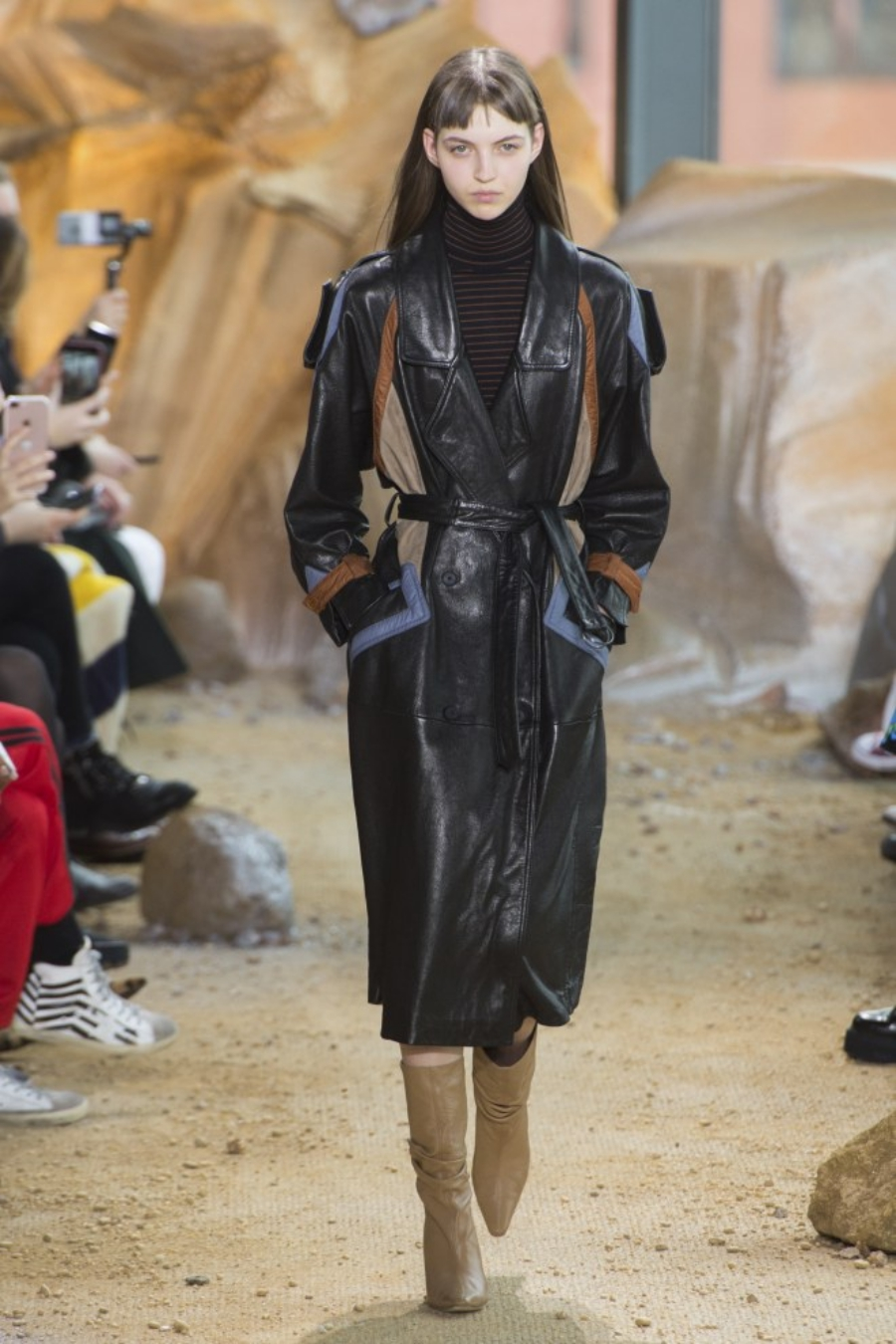Leder-Trenchcoat – die beste Investition in diesem Herbst Lacoste