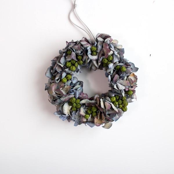 アンティークブルーの紫陽花リース