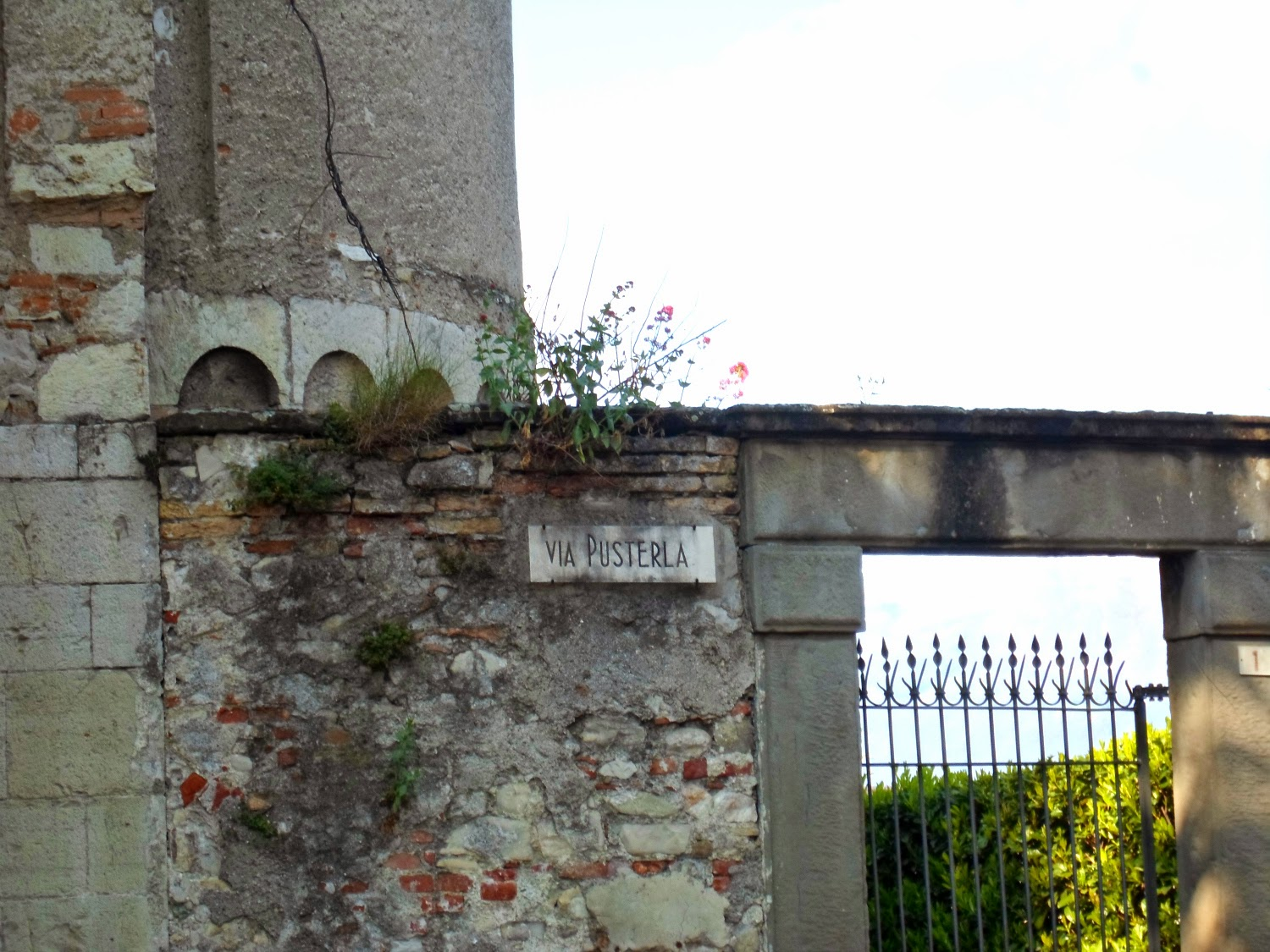 Old Street Name Sign, Church at Iseo, Lake Iseo | Sparkle and Mirrors - Sequins for Sunday, Funky Jungle, fashion & personal style blog