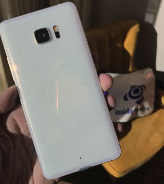 Rò rỉ hình ảnh thực tế của HTC U Ultra: thiết kế bóng bảy, màn hình phụ giống LG V