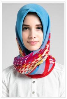 Kumpulan Gambar Model Hijab Ngtrend Untuk Pergi ke Kantor 2018