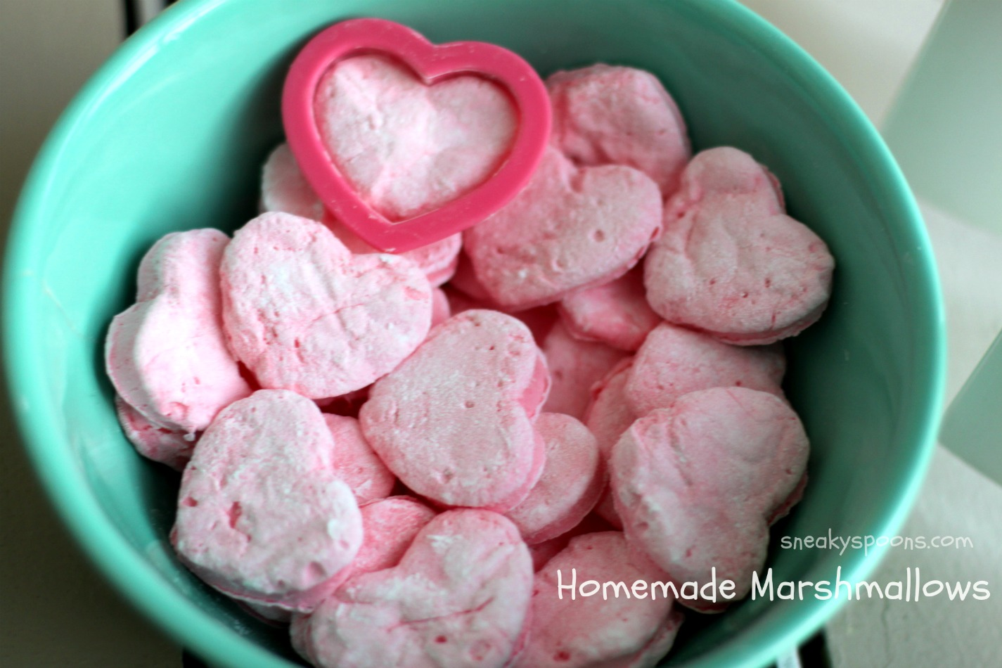 Heart Shaped Homemade Marshmallows | SneakySpoons
