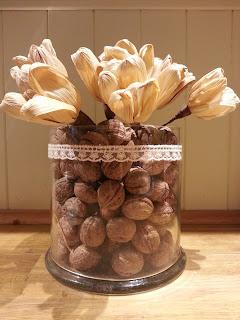 Idea per decorare un vaso semplice: frutta secca merletto stile country shabby chic