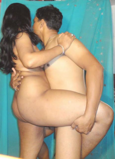Desi Gand Wali Aunty Chudai Porn Pics