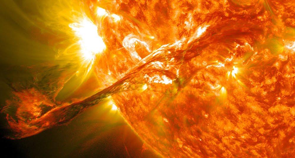 Il Sole potrebbe distruggere la Terra con un super brillamento.