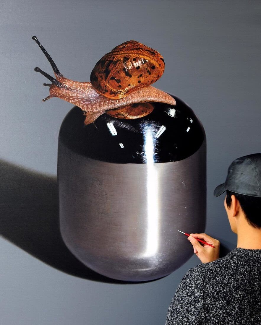 10-Snail-Young-sung-Kim-Realistic-Animal-Oil-Paintings-on-Canvas-www-designstack-co