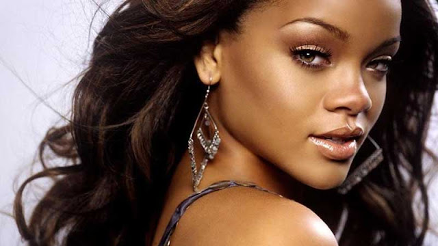 Rihanna Selfish Girl MP3, Video & Lyrics