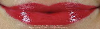 labbro superiore: texture extra matt - labbro inferiore: texture cremosa