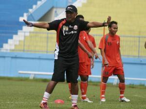 Pelatih Rahmad Darmawan