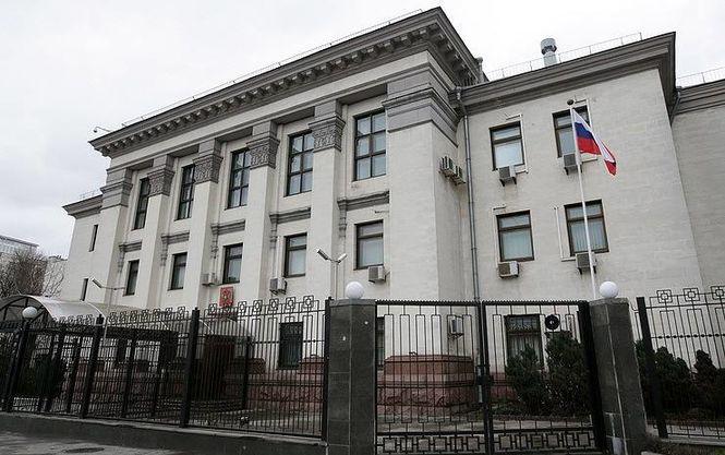 Активисты решили помочь РФ в организации выборов в Украине