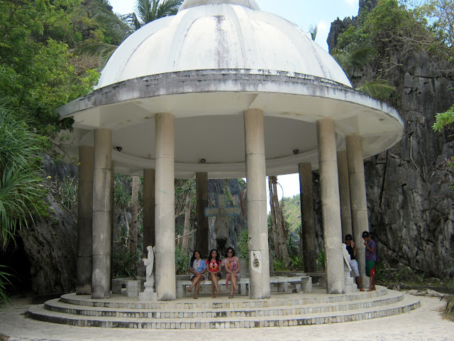 Matinloc Shrine, El Nido