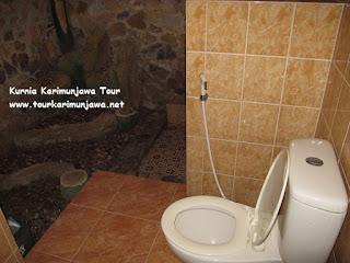toilet karimunjawa inn