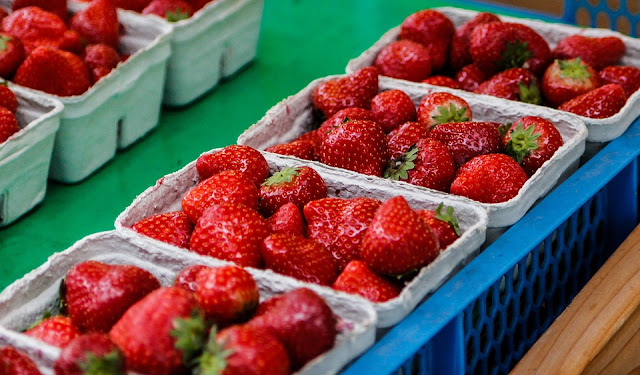 How To Store Strawberries, Best Ways to Store Strawberries, how to buy strawberries, Benefits Of Strawberries, strawberry nutrition, Health Benefits Of Strawberries, Strawberry Benefits, healthy food, healthy eating, foods for skin, Strawberry Health Benefits,