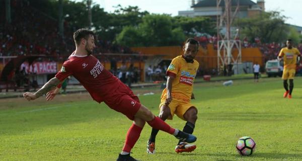 Pemain Sriwijaya ini Menangis Gara-gara Penalti Kontroversi PSM Makassar